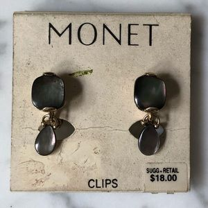 🔥 Vintage Monet Mother-of-Pearl Clip On Earrings